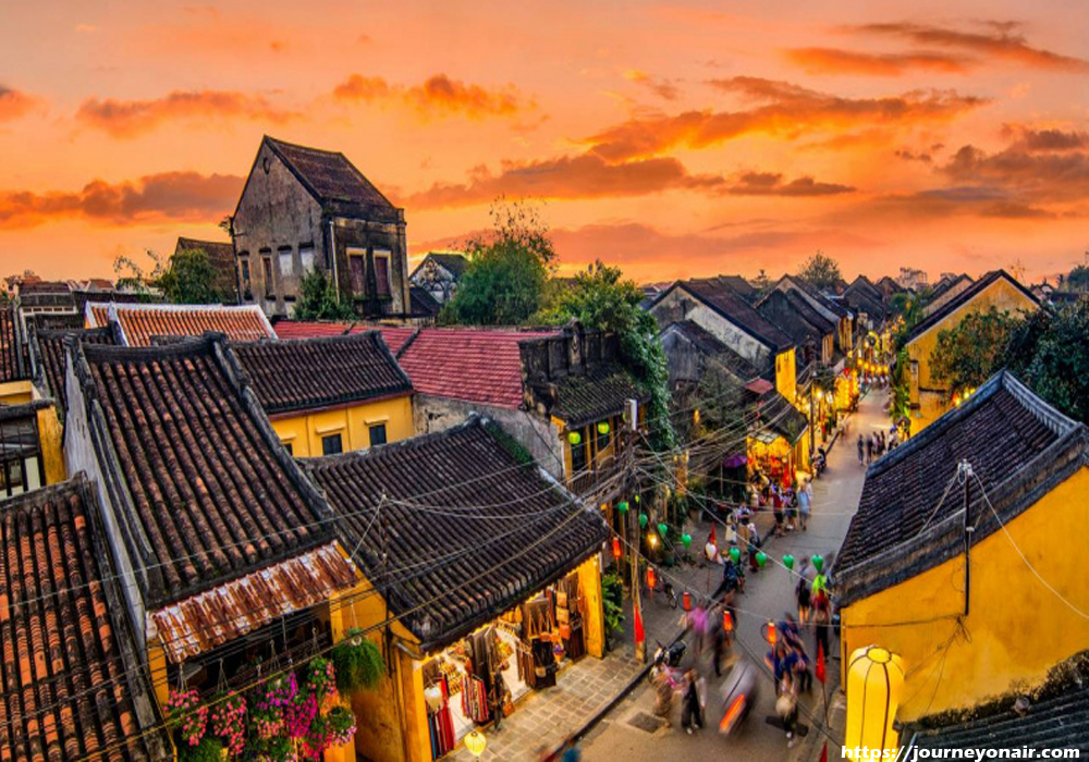 Vietnam Travel Guide: Hanoi - Halong Bay - Nha-Trang - Hochi-Minh City